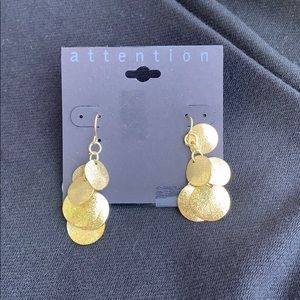 Beautiful gold dangled earrings